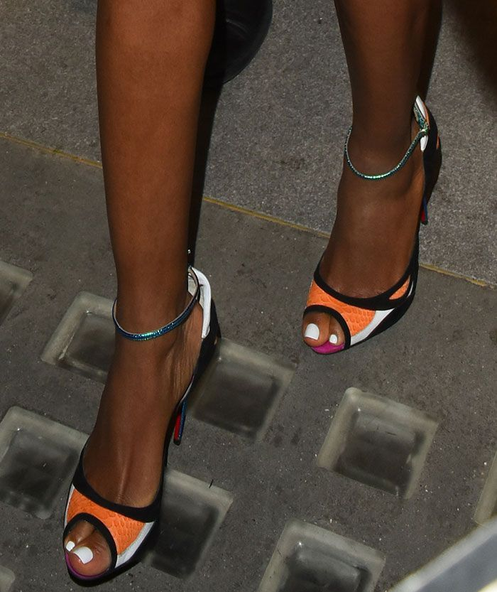 02d9e5b6264d Naomie Harris in Christian Louboutin pumps