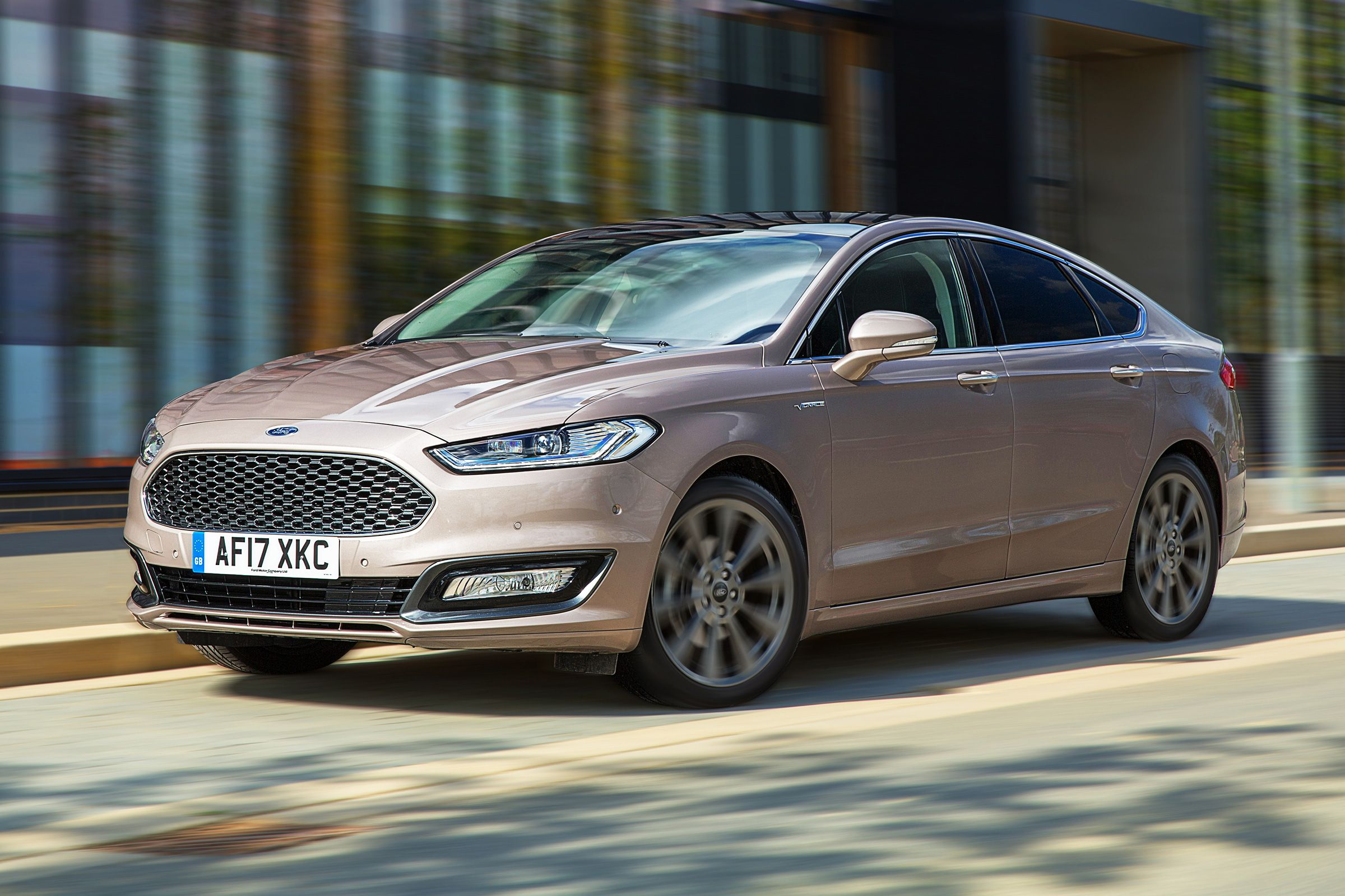 Ford Mondeo Vignale Nero 2017 Review Ford Mondeo Car Ford Ford