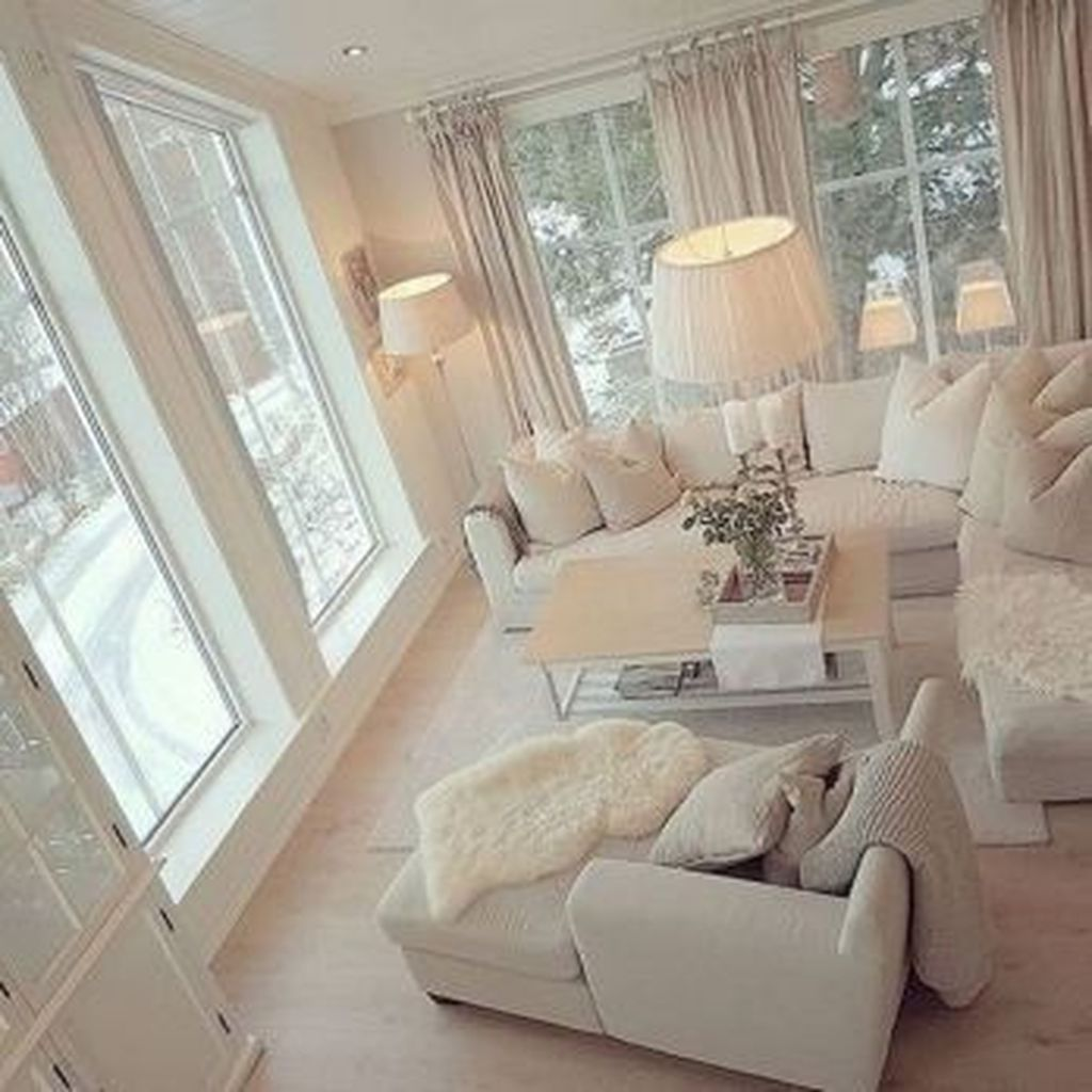 How to Manage Romantic Living Room Decor images