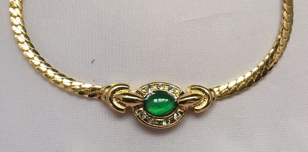 Stunning Vintage Gold Tone And Green Stone Snake Chain Necklace