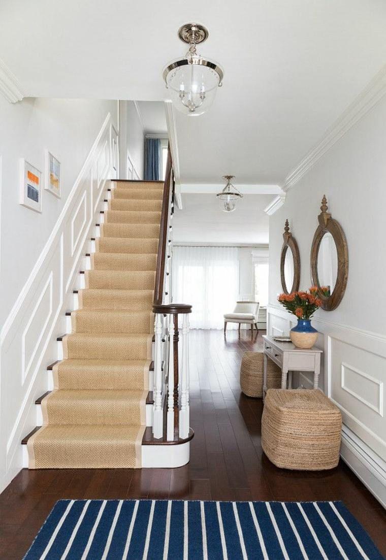 Interieur Moderne Avec Escalier Habille En Moquette De Jonc