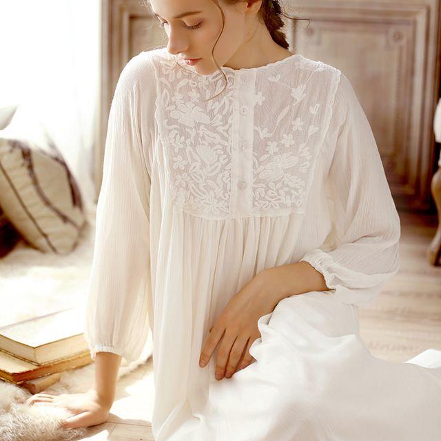 6960dcf20 2018 nuevo vintage princesa camisones mujer dulce largo vestido de algodón  blanco bordado camisón primavera mujer