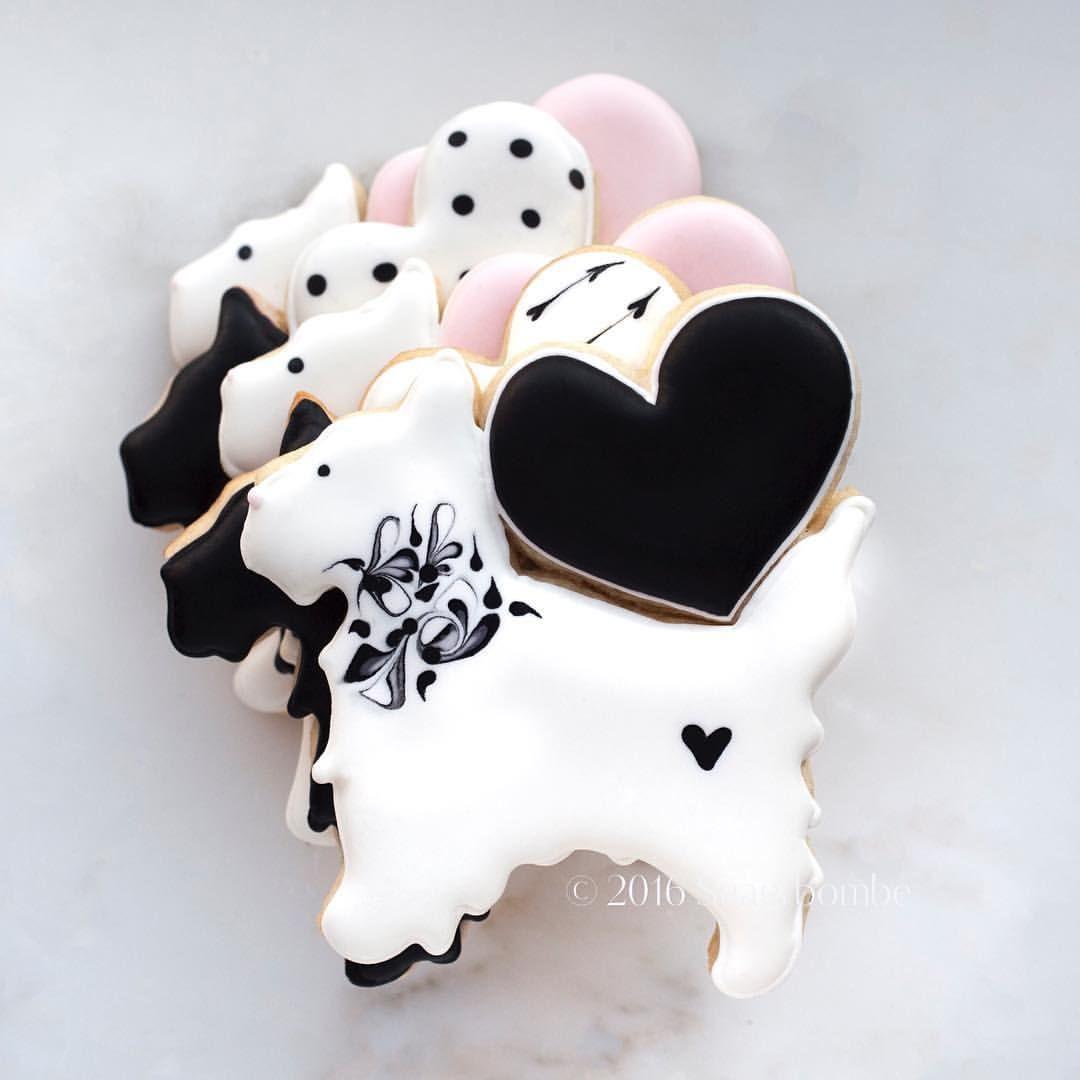 """173 Likes, 2 Comments - SUGARBOMBE (@sugarbombe_sugar) on Instagram: """"Darby Heart, #sugarbombe, #sugarcookies, #decoratedcookies, #cookiesofinstagram,…"""""""