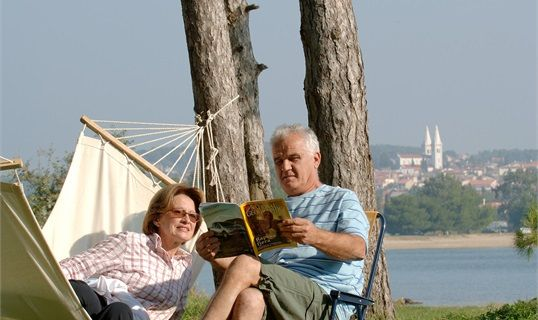 Mala Milna Camping http://croatia.hr/de-DE/Unterkunftssuche/Campingplatze/Stadt/Hvar/Mala-Milna-Camping?bGNcNDExMSxwXDE5OA%3d%3d
