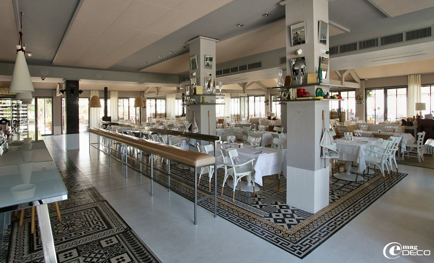 Carocim a compostion of carocim tiles created by philippe starck at la co o rniche hotel - Restaurant dune du pyla ...