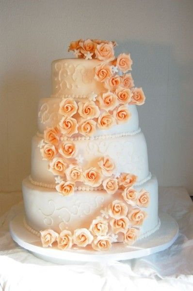 Hochzeitstorte Rosen In Apricot Chocolate Pinterest Wedding