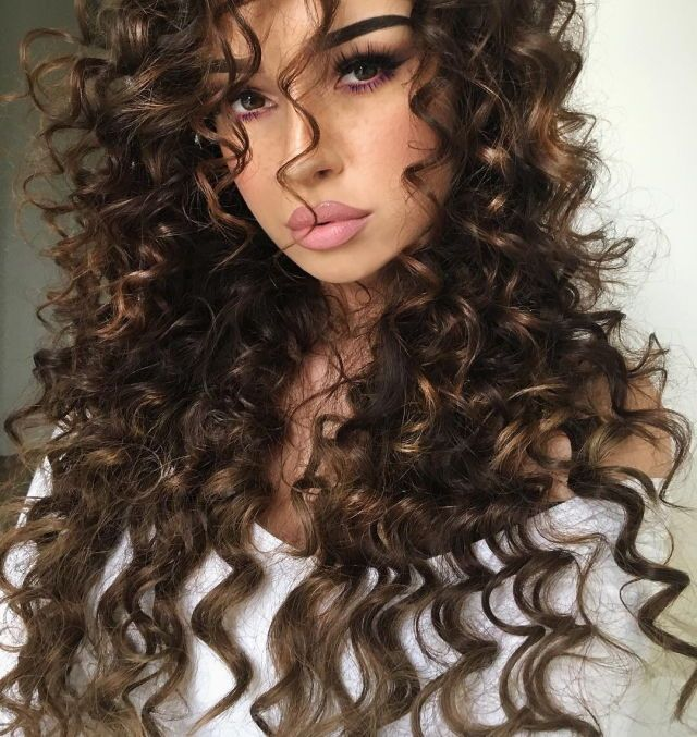 Pinterest Frenchfangirl Curly Hair Styles Hair Styles Long Hair Styles