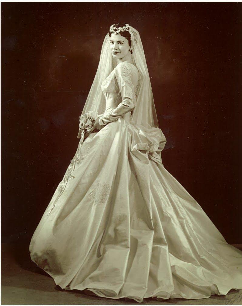 Photo Inspiration Vintage Postcard Bride Groom Via Flickr Wedding Gowns Vintage Vintage Wedding Vintage Bride