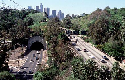 How Far Is Pasadena From La