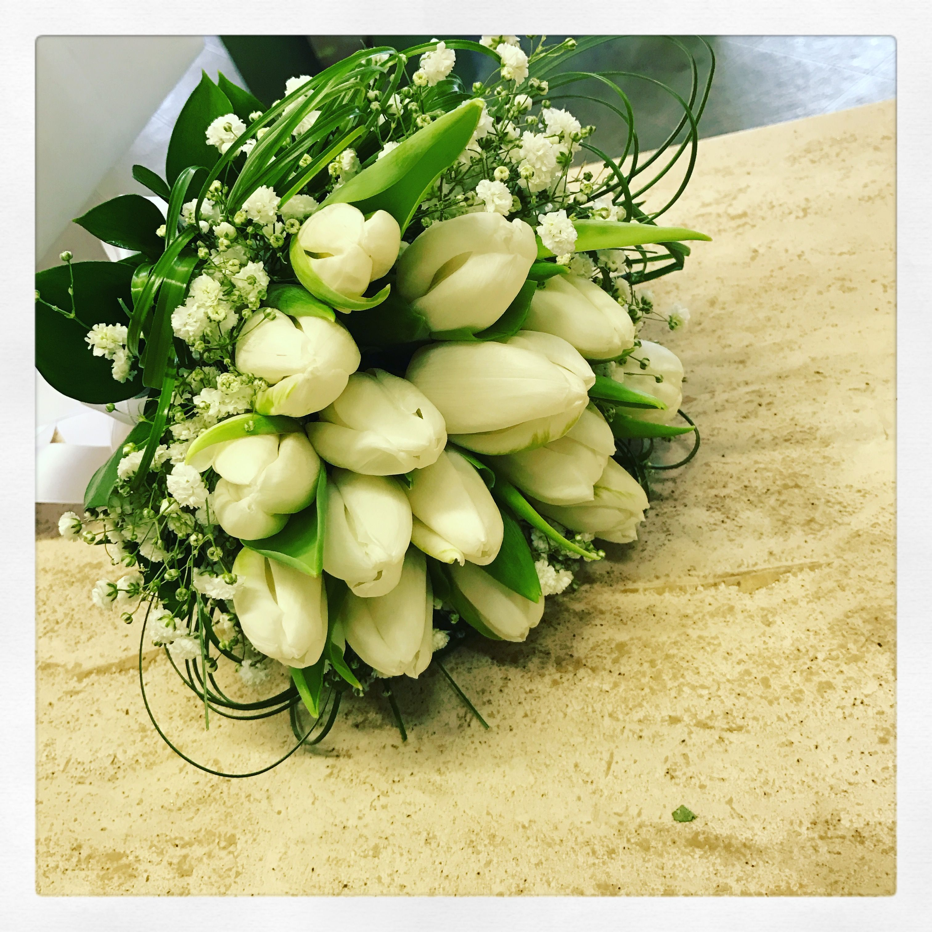 Bouquet Sposa Matrimonio Civile.Matrimonio Bouquet Sposa Con Tulipani Bianchi Per Un Matrimonio
