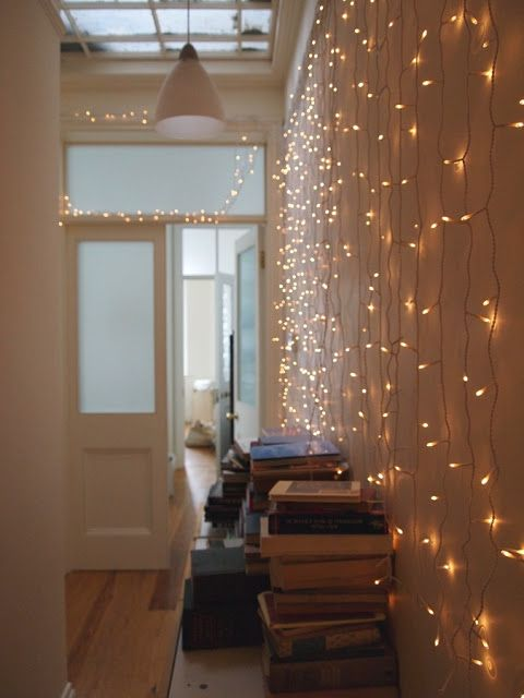 If you'd like to add a little sparkle to your interior, check out these  bright indoor Christmas lighting ideas. Enjoy a festive feel inside too! - 17 Sparkling Indoor Christmas Lighting Ideas Party Pinterest