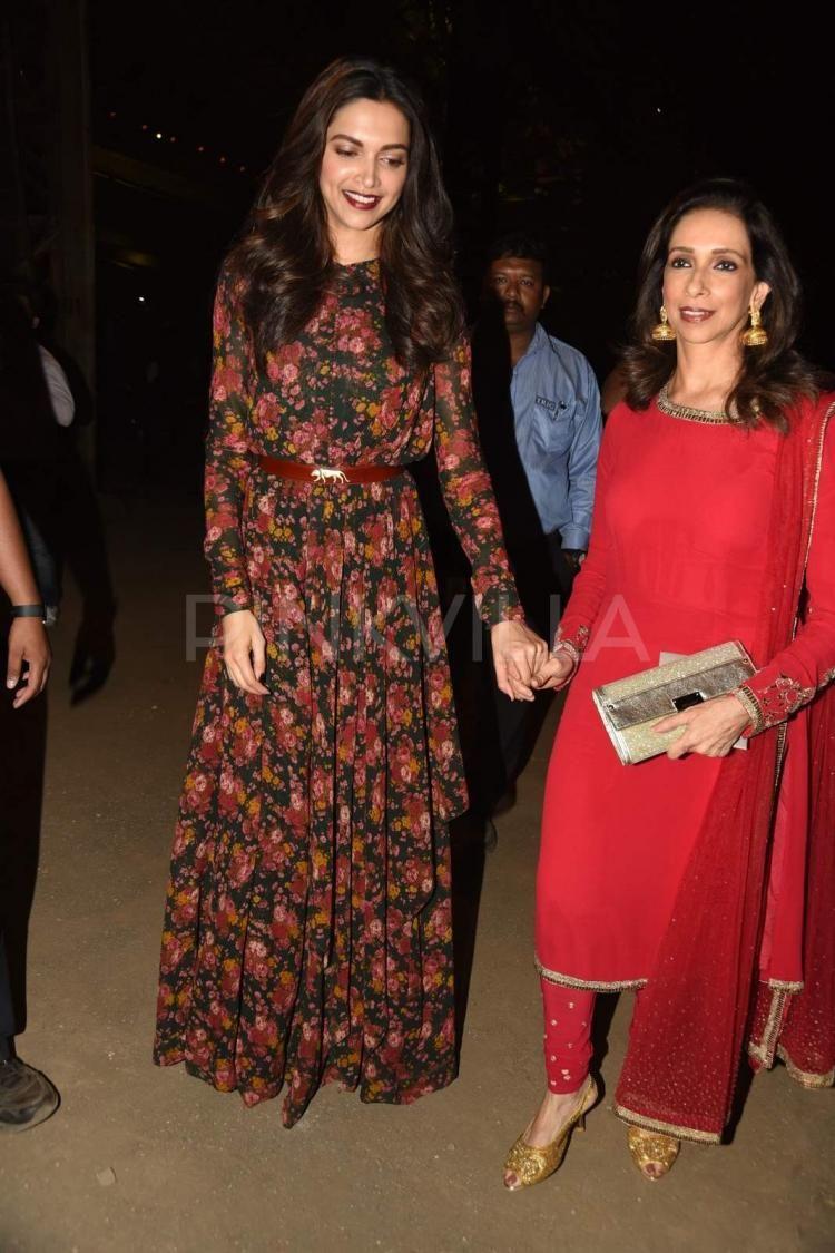 Awww! Mother-daughter duo Ujjala-Deepika walk holding ...