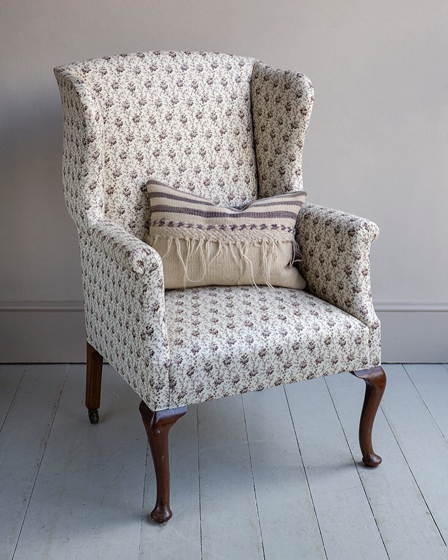 Surprising 1920S Queen Anne Style Wing Chair Covered In Linen Gmtry Best Dining Table And Chair Ideas Images Gmtryco