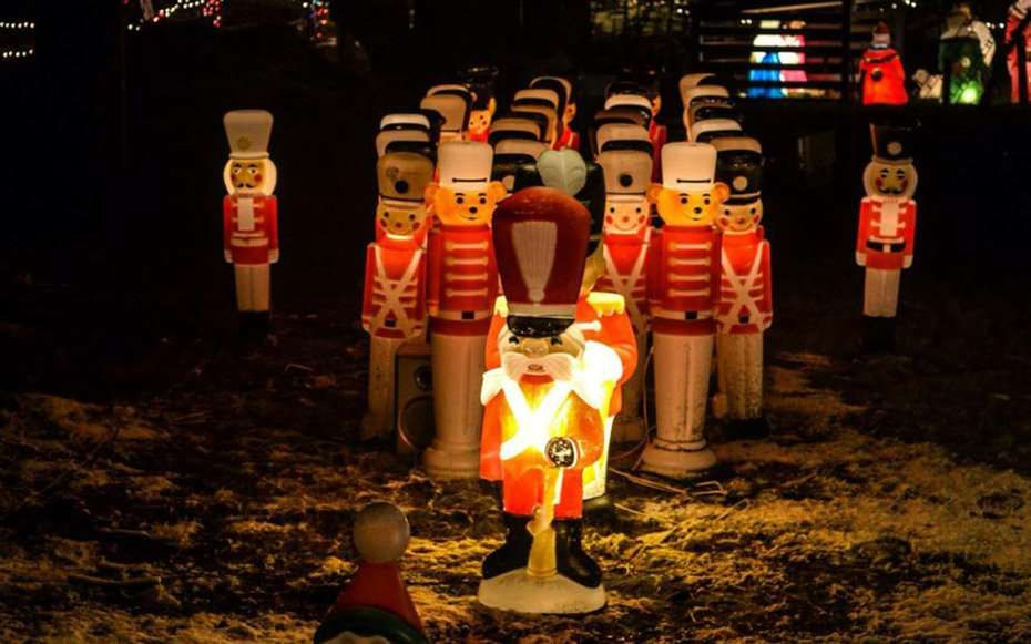 Best Christmas Lights In Every State Rhode Island The Conway Family S Christmas Li Best Christmas Lights Holiday Lights Display Best Christmas Light Displays