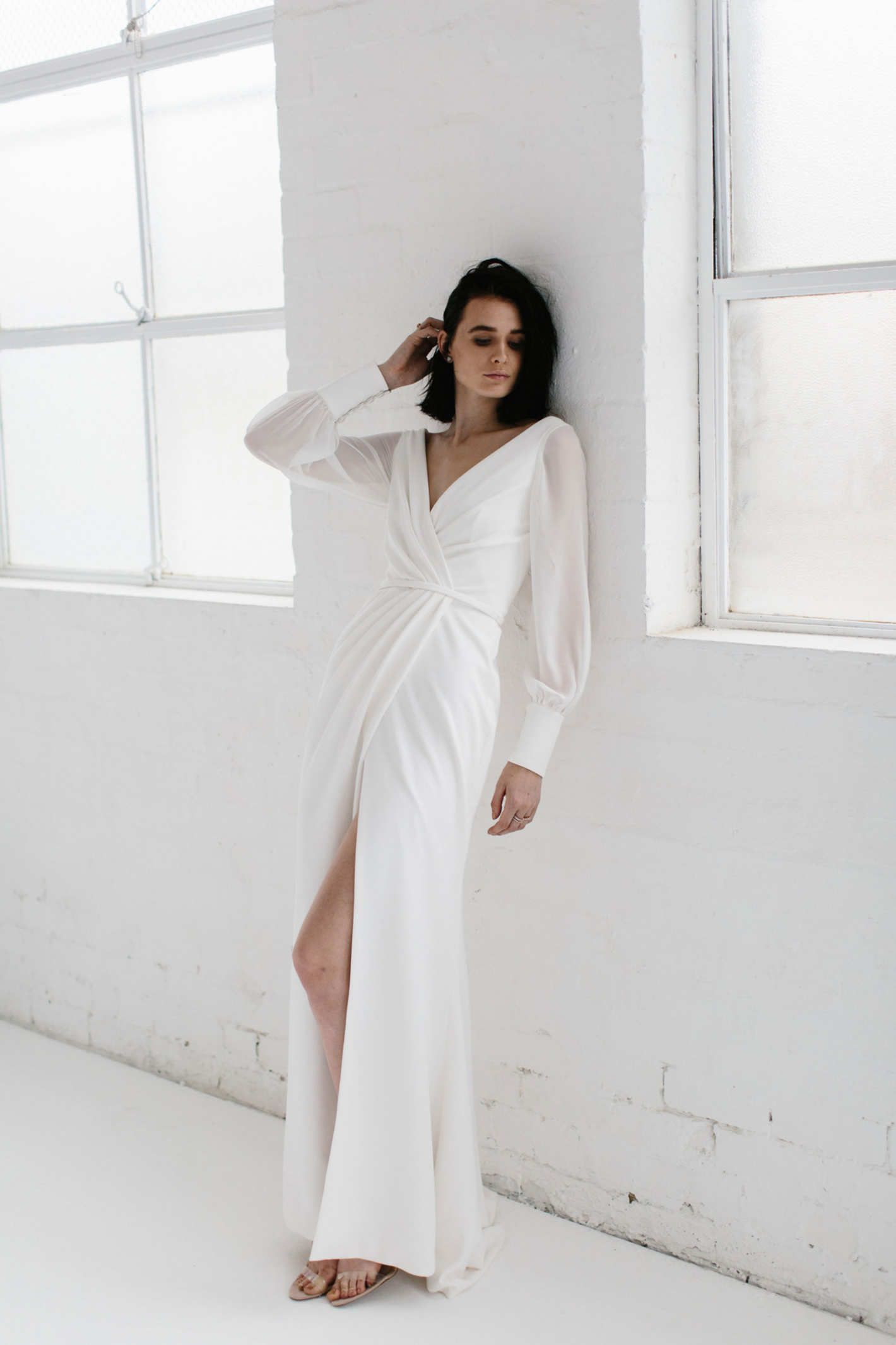 23 Elegant Long-Sleeve Gowns for the Winter Bride