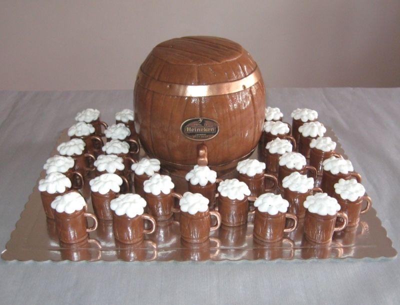 Keg Cake With Mug Cupcakes Oktoberfest Cakes Beer