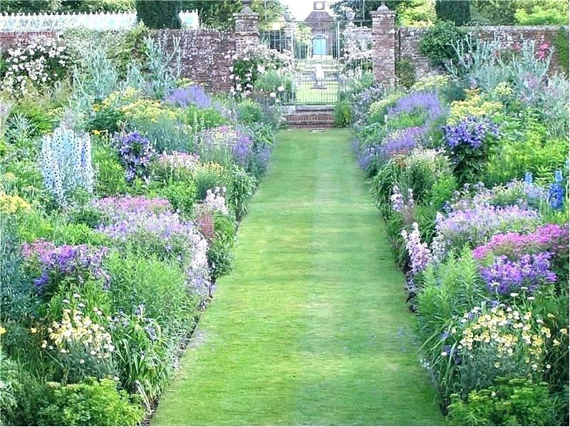 The Perfect Cottage Garden In 7 Simple Steps It S Garden Thyme Cottage Garden Cottage Garden Plants English Cottage Garden