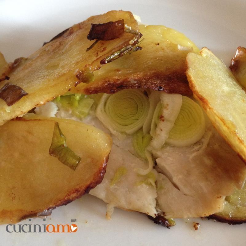 Filetto Di Pesce Persico Al Forno Con Patate E Porrisemplicemente