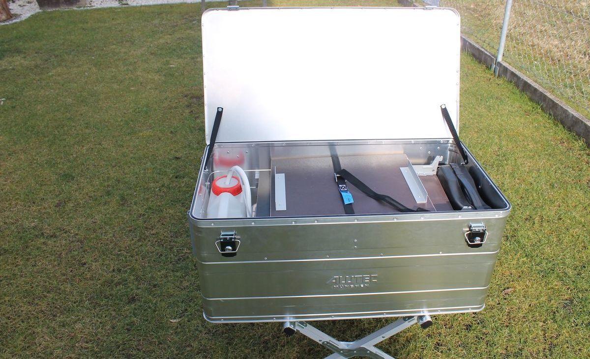 eine mobile küche in der alukiste | mobile küche, camping