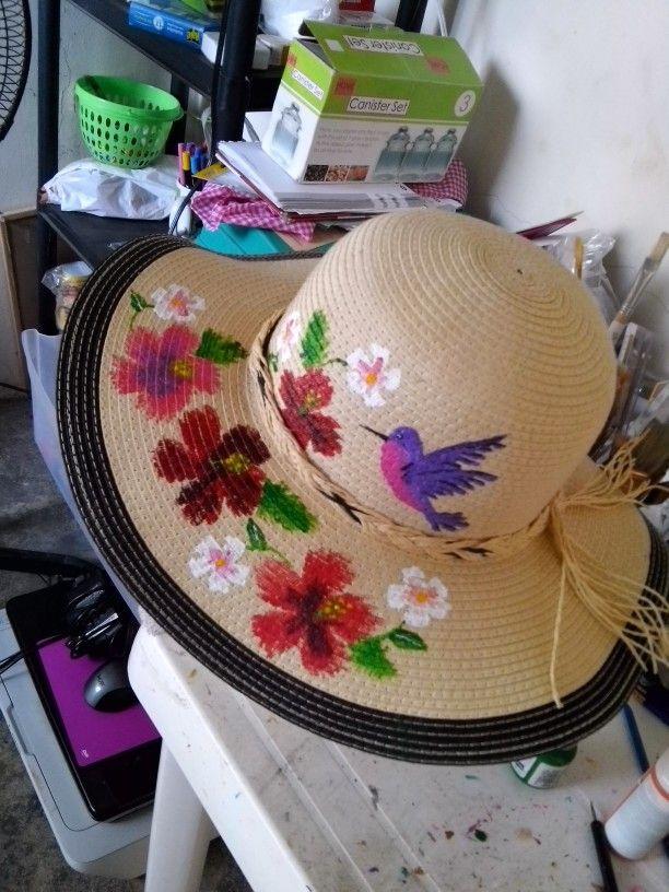 Sombrero pintado a mano. Panamá. Creacion propia  9fa07528198