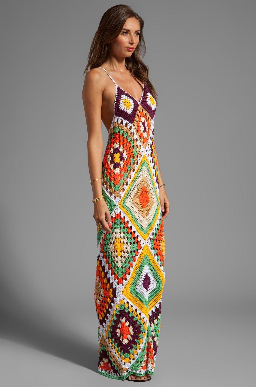 Indah syra crochet maxi dress en gold mix remeras y tops