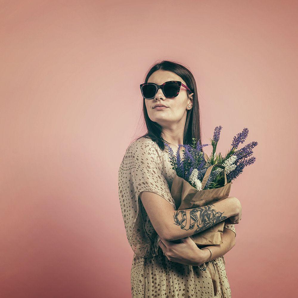 Female model sunglasses retro square cat eye on 88glasses
