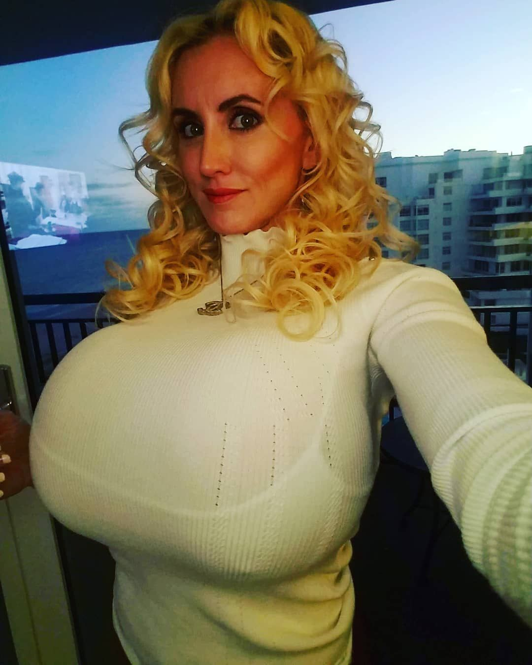 Instagram Tammy nude (14 photos), Sexy, Is a cute, Selfie, cleavage 2006