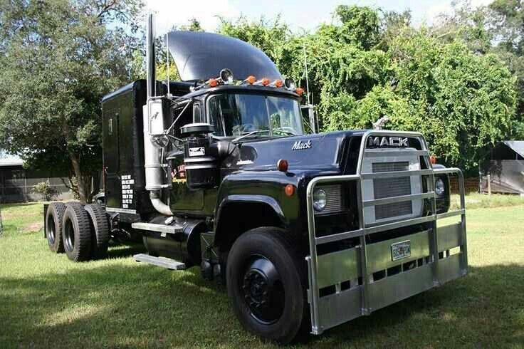 convoy  trucks trucks mack trucks diesel trucks