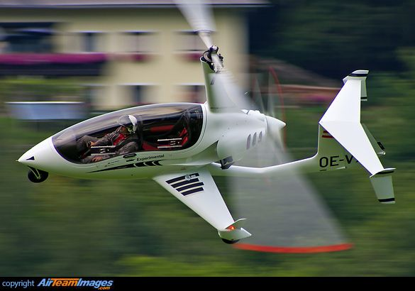 ArrowCopter AC20. This gyrocopter is equipped with the full canopy.