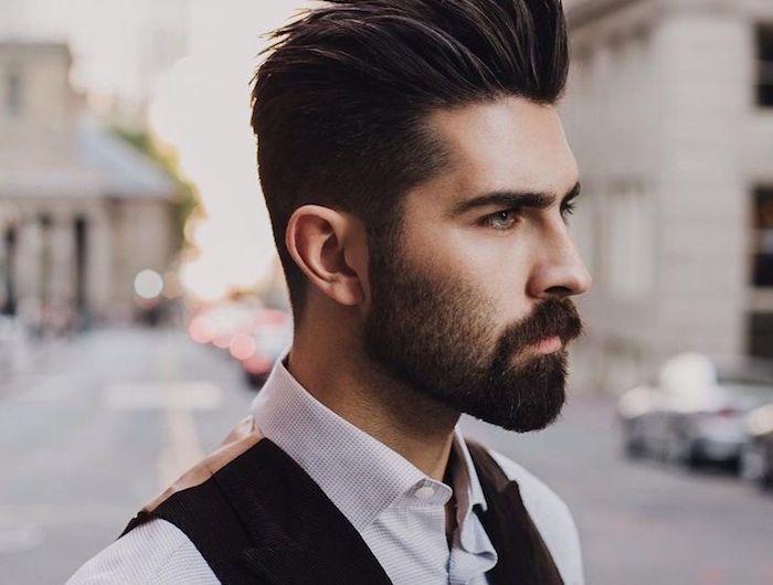 bouc barbe tu tires ou tu pointes moi pinterest cheveux coiffure homme et coiffure. Black Bedroom Furniture Sets. Home Design Ideas