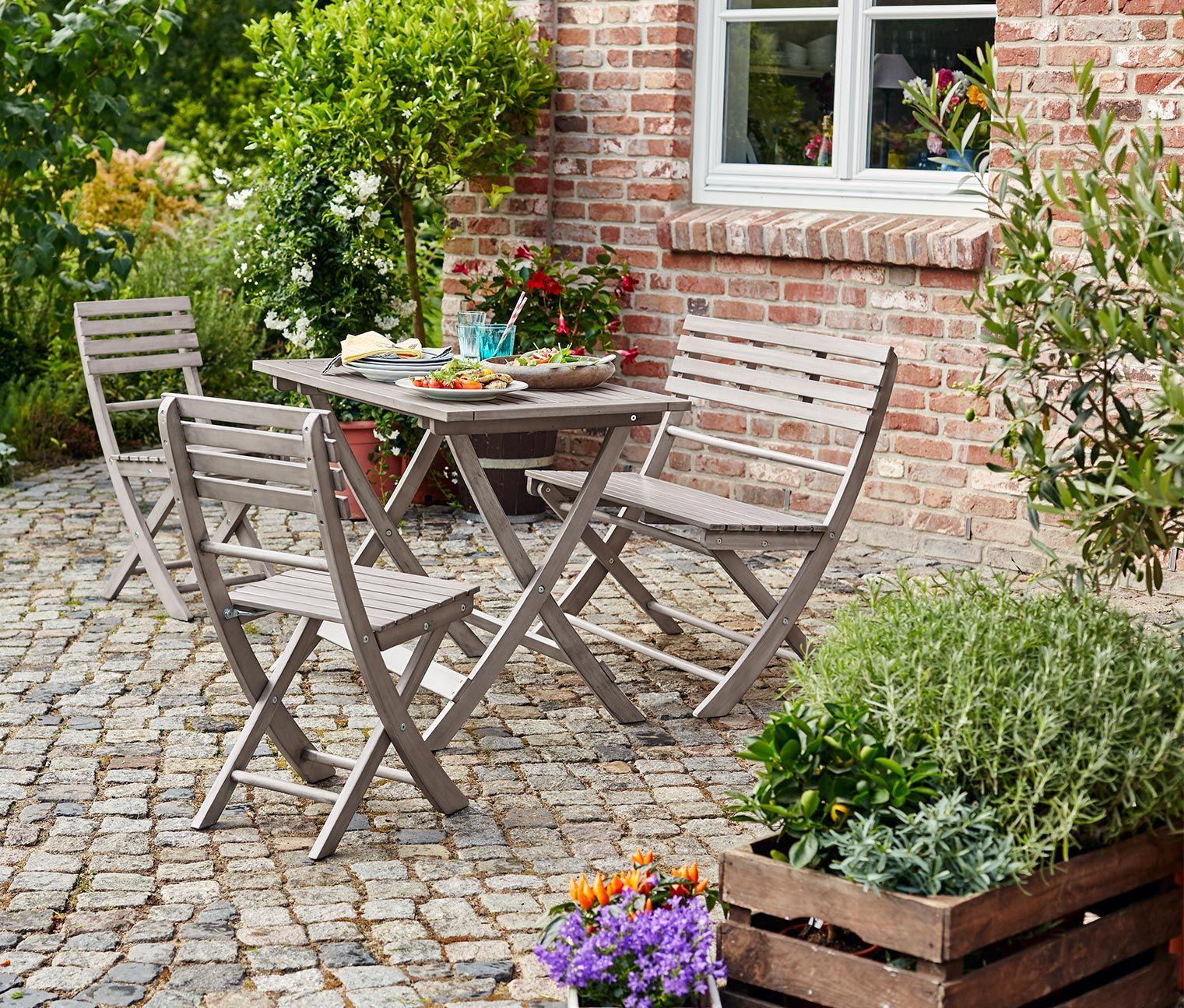 4 teiliges Gartenmöbel Set für 169€   Mit ihrem rustikalen Charme