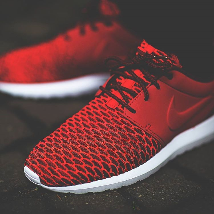 new product b029f 26d00 Nike Roshe One Natural Motion Flyknit Premium (gym red gym red-team red-bright  crimson)