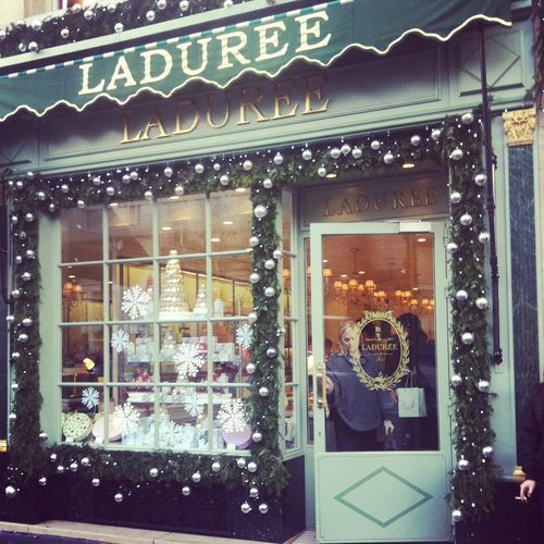 Laduree christmas beautyful storefronts pinterest for Laduree christmas