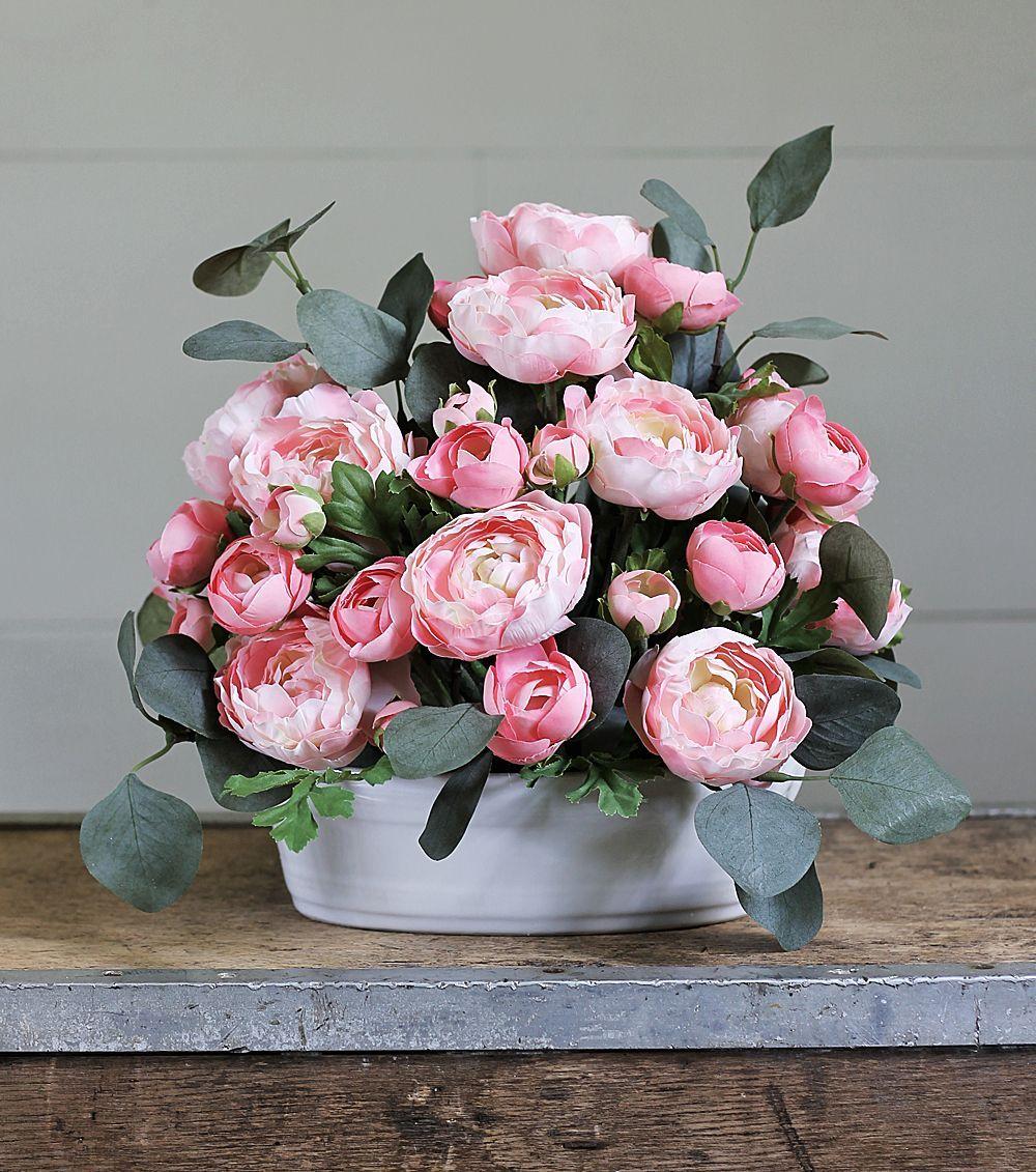 Tips For Creating Beautiful Artificial Flower Arrangements