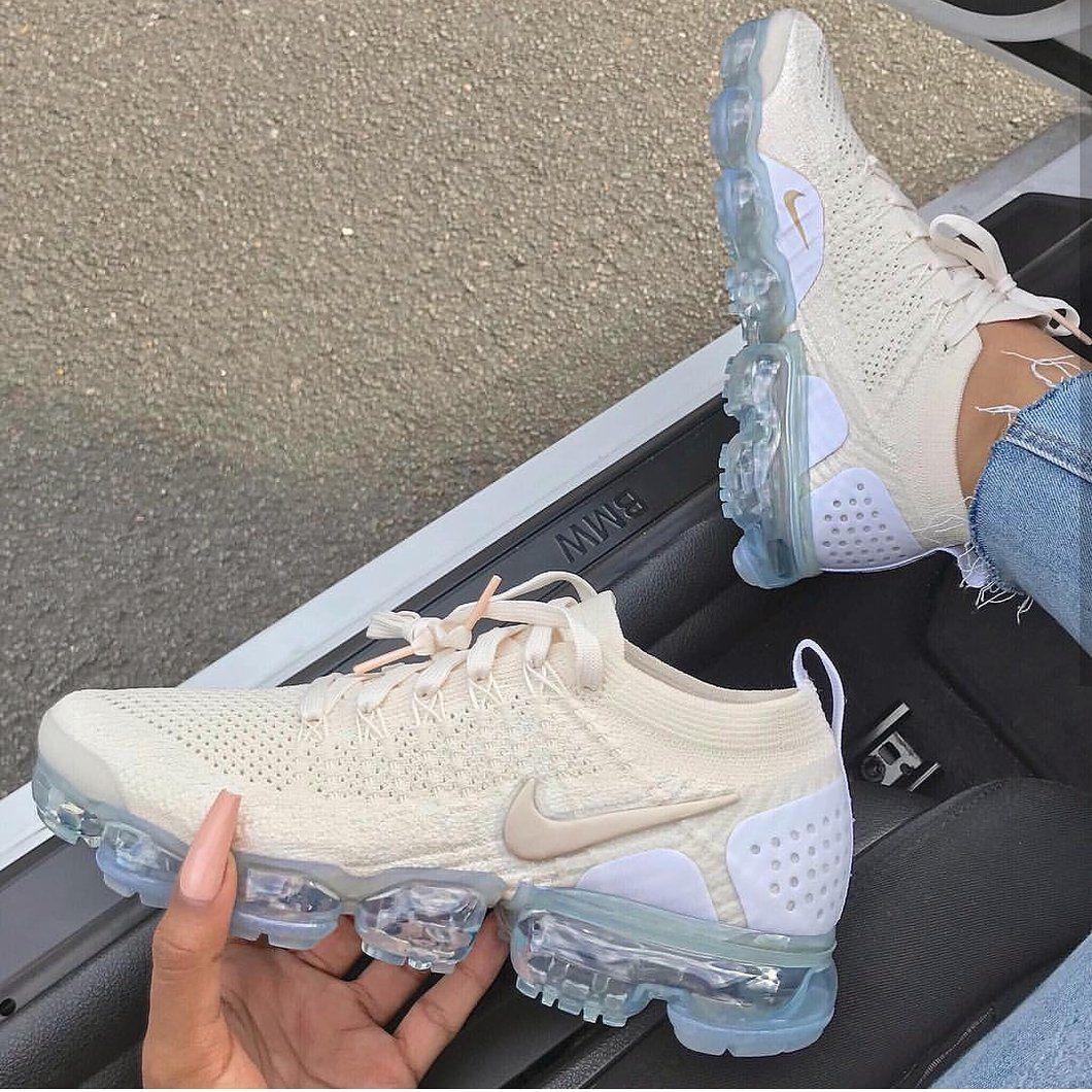 innovative design 82d68 74db2 Vapormax Cream | Shoes | Sneakers nike, Shoes, Nike vapormax ...