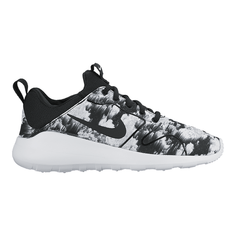 buy online 82056 a9b5c The next chapter in the Kaishi story, the Women s Nike Kaishi 2.0 Print Shoe  brings back that simplified, speedy look with amplified comfort.