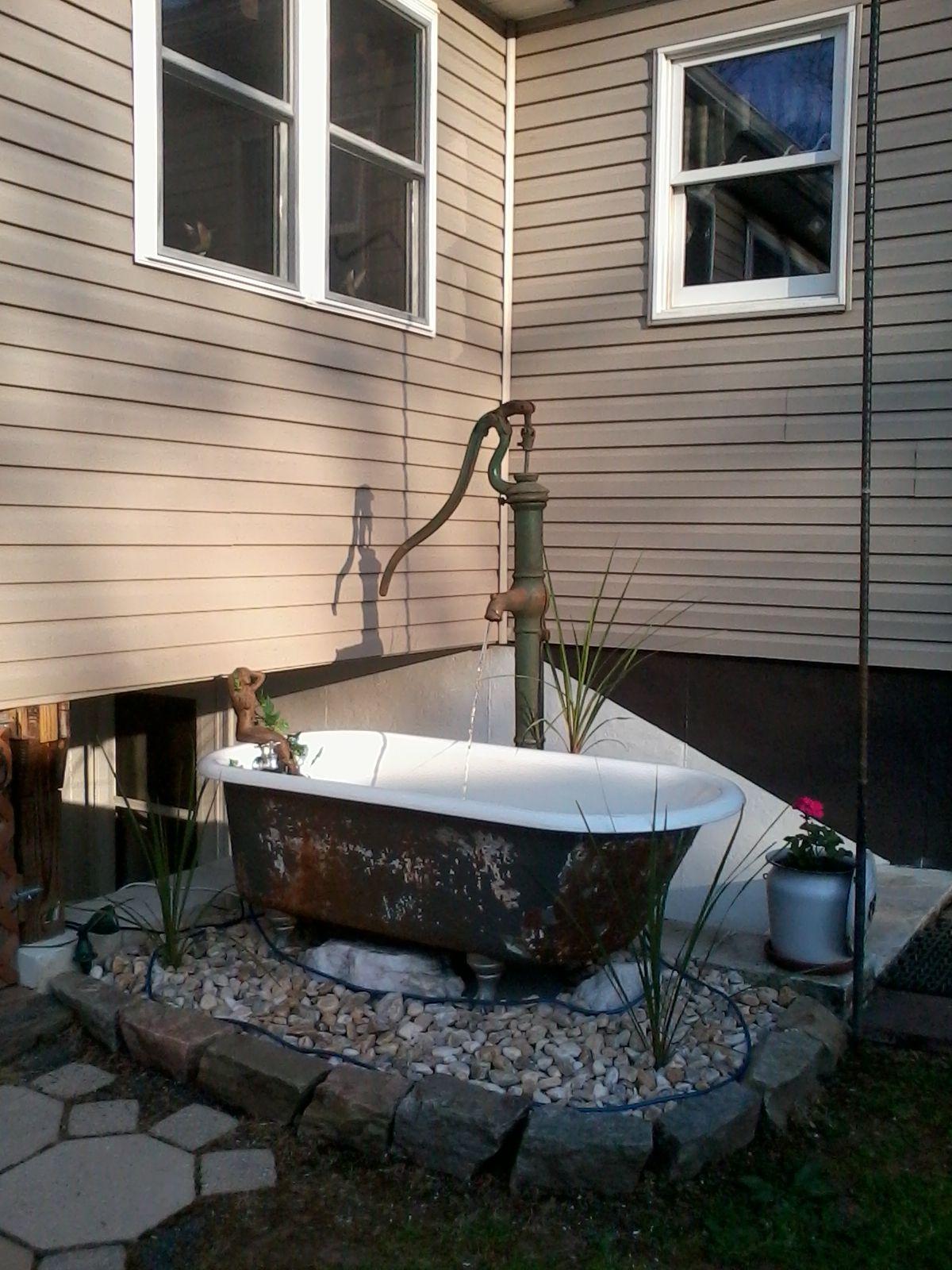 Pin Von Michelle Richardson Auf Garden Favorites Alte Badewanne Badewanne Garten Badewanne Im Freien