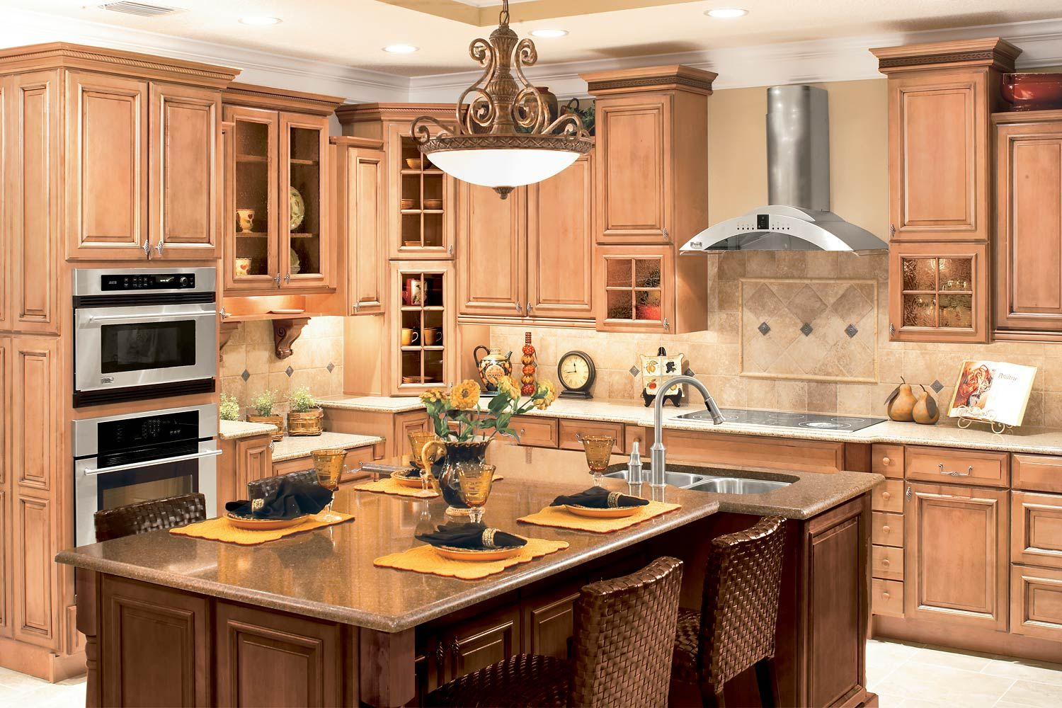 Kitchen Traditional Kitchen Design With Honey Maple Kitchen Cabinet And Brown Granite Quality Kitchen Cabinets Maple Kitchen Cabinets Luxury Kitchen Cabinets