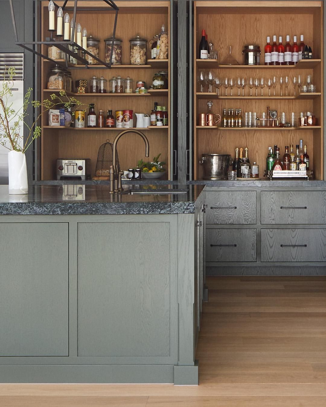 At Beechwood We Made A Conscious Decision Not To Have A Butler S Pantry The Trend Of Recent Years Has Been To Have Second Kitch Kate Walker Beechwood Kitchen