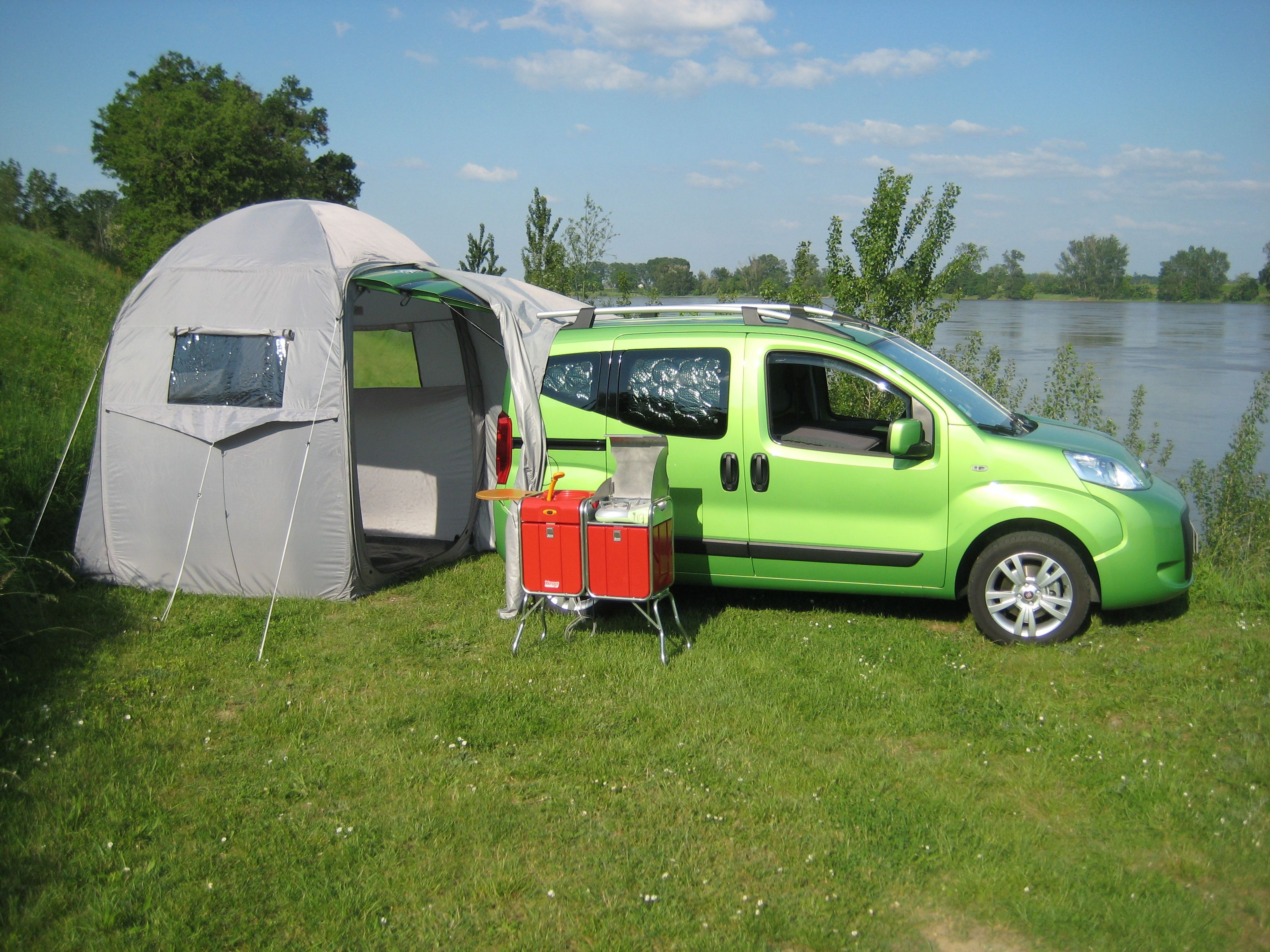 Yatoo with qubo car by fiat right next to loire river yatoo for yatoo with qubo car by fiat right next to loire river vtopaller Choice Image