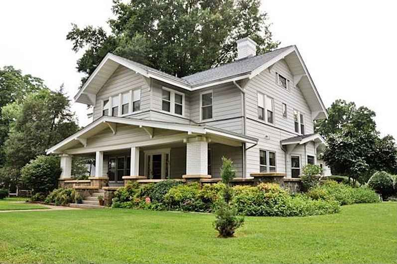 a real craftsman beauty from 1915 in hickory nc beautiful rh pinterest com