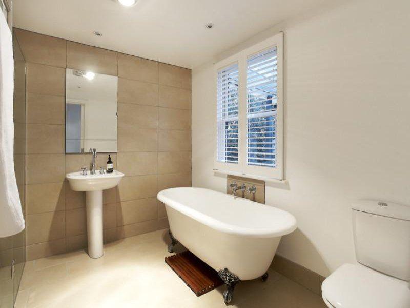 Best Bathroom Neutral Colors With Soft Touch Simple Modern Bathroom Interior Stunning Bat Neutral Bathrooms Designs Bathroom Design Modern Bathrooms Interior