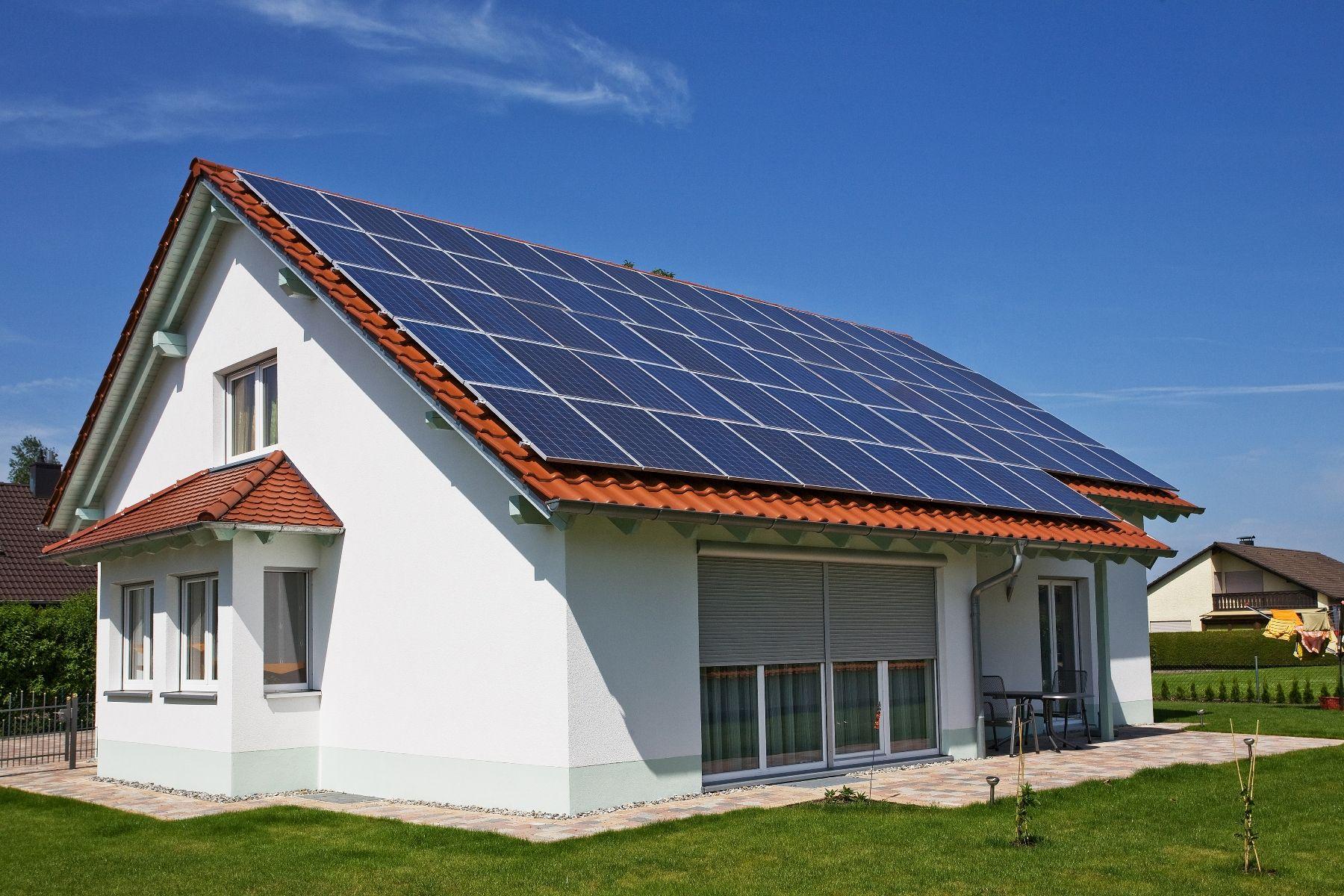 Como Funciona Un Sistema Fotovoltaico De Autoconsumo. Installing Your Own Solar  Energy ...
