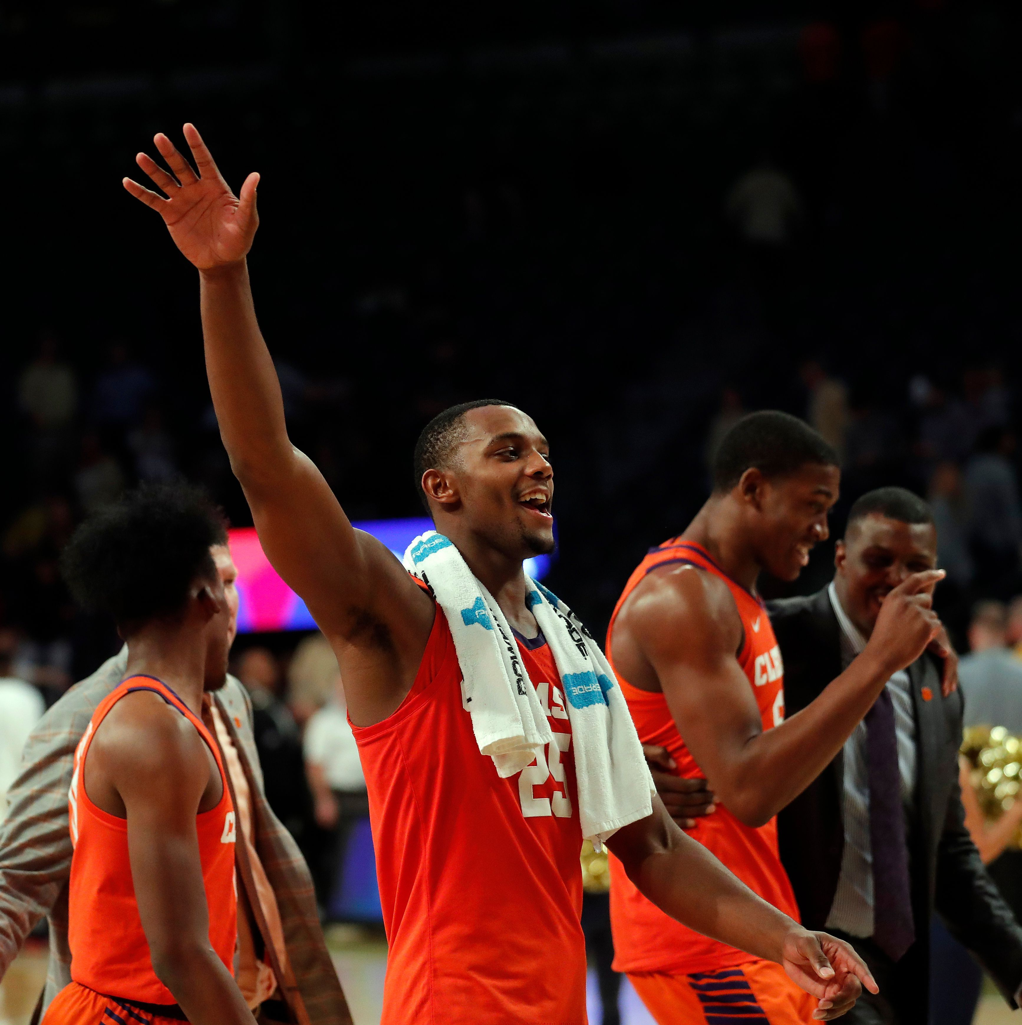 Reed scores 19, Clemson blows out Tech 6542