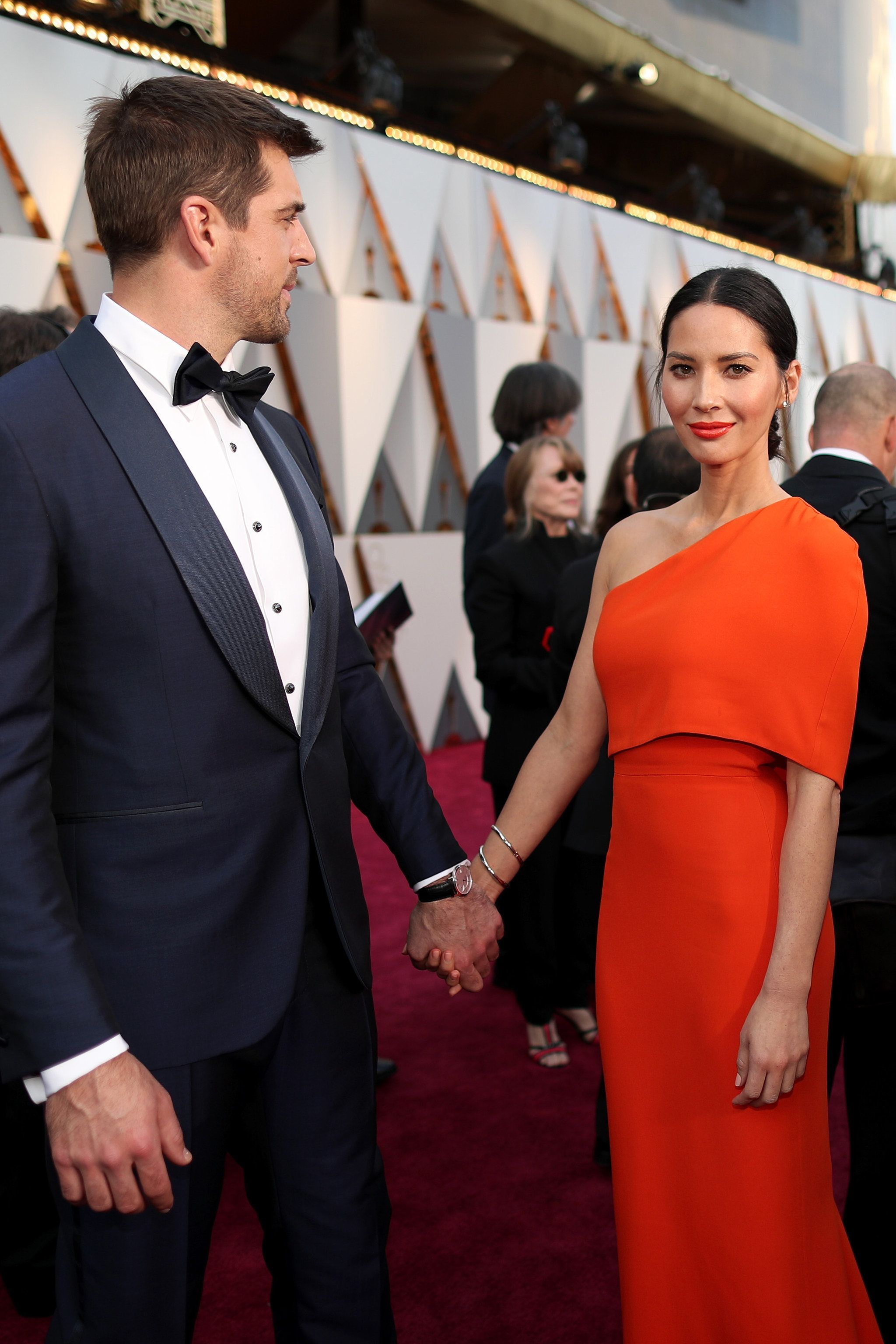 Olivia Munn And Aaron Rodgers Olivia Munn Red Carpet Oscars Red Carpet Couples