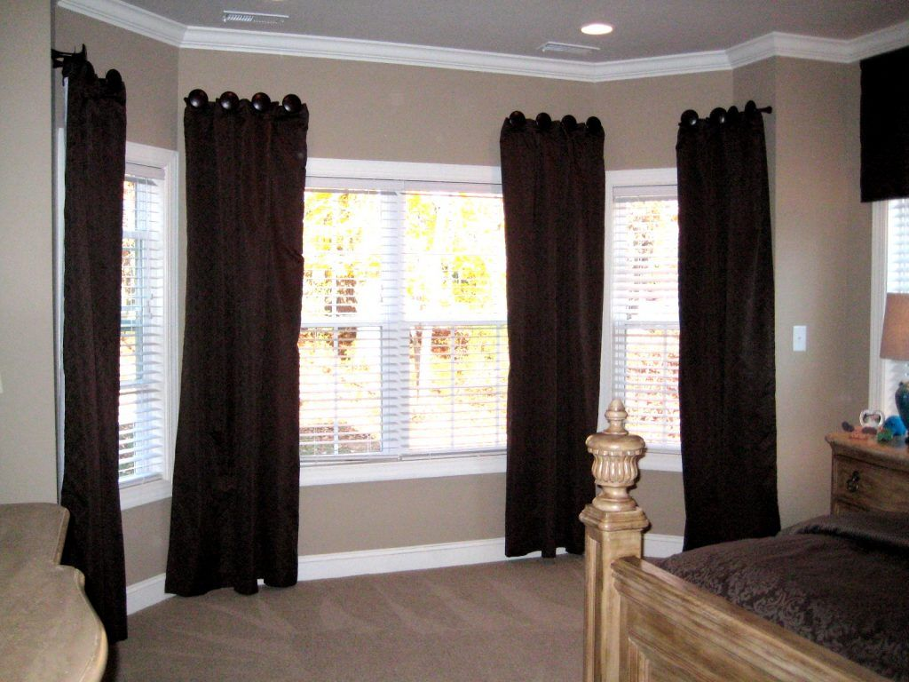 Interior Marvelous Bay Window Curtain Rods At Lowes Also Curtain