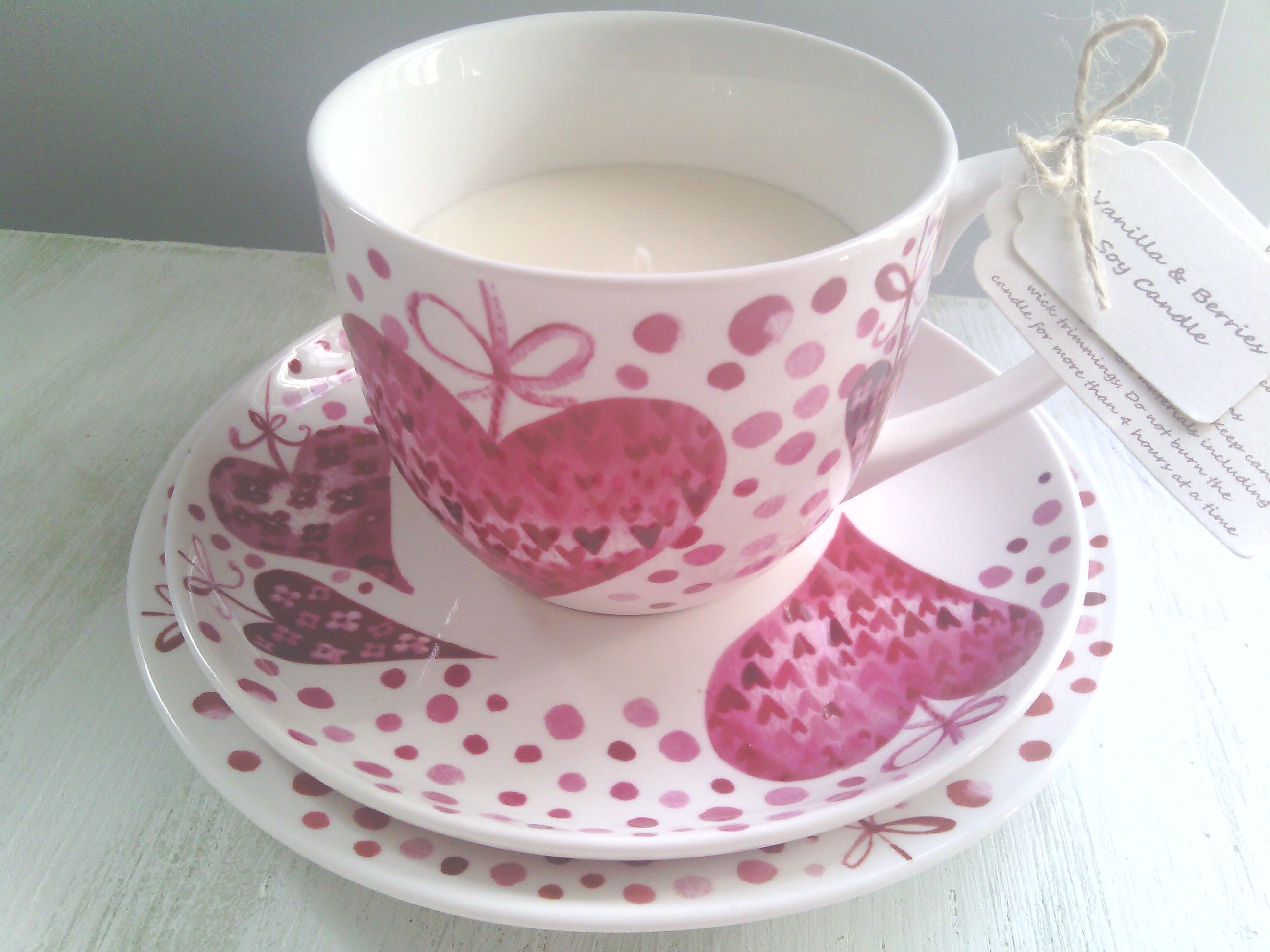 Beautiful scented soy wax candle cup saucer and side