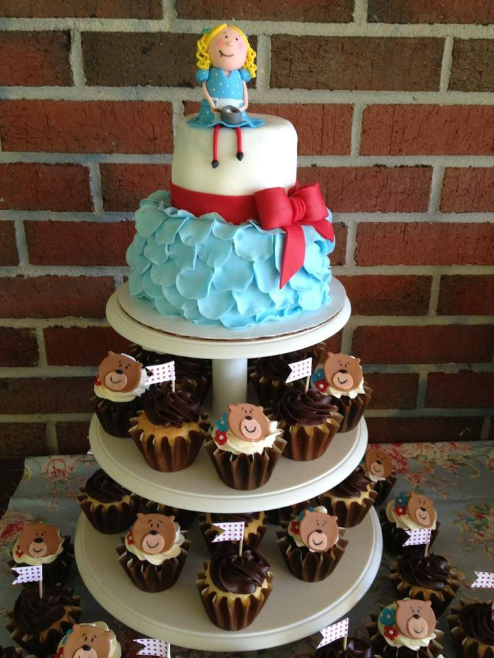 Goldilocks Cake Design For 60th Birthday : kissy wants cupcakes, let s give her cupcakes! Kissy is ...