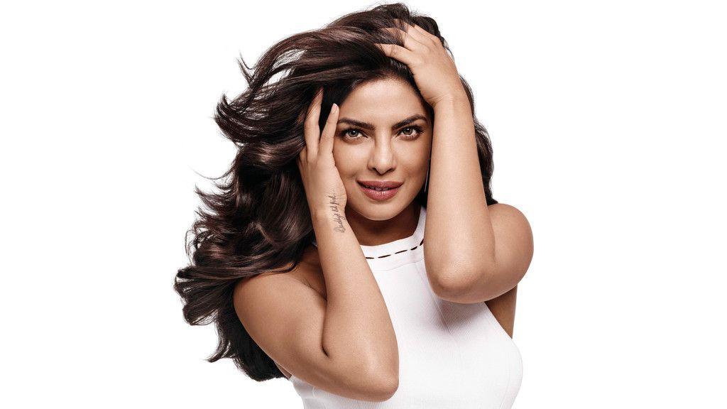 Priyanka Chopra Popular Indian Celebrity 4k 8k Wallpaper Priyanka Chopra 2017 Indian Celebrities Priyanka Chopra