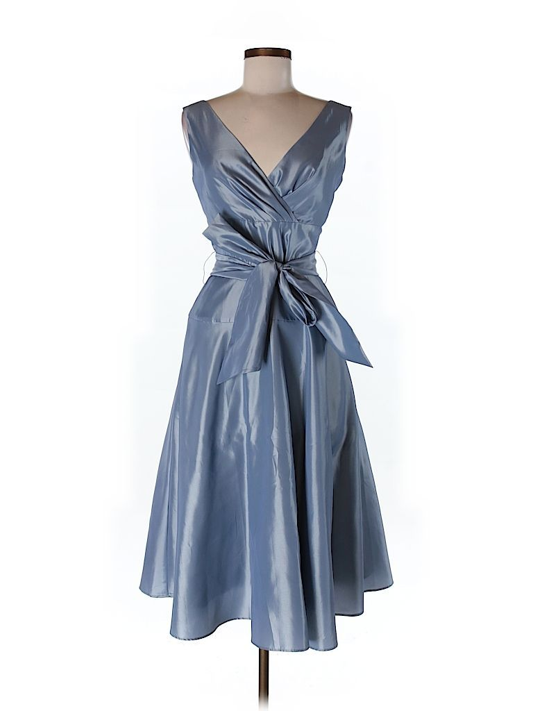 Used Women's Clothing Online at a Discount - thredUP